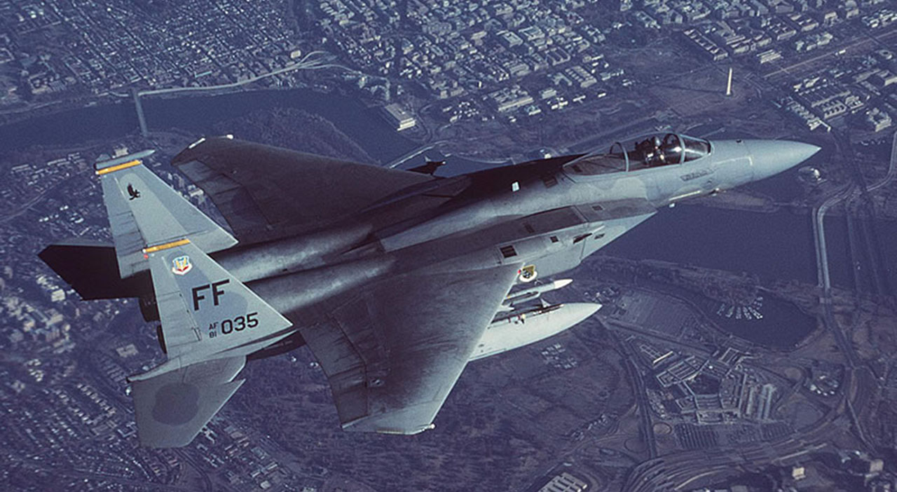 AIR_F-15C_Over_Washington_lg