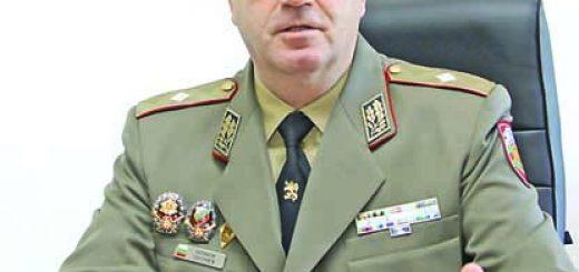 Emil Shoshev-brigaden general