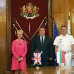Награди от Министерство на отбраната и Щаба на отбраната за посланика на Великобритания у нас